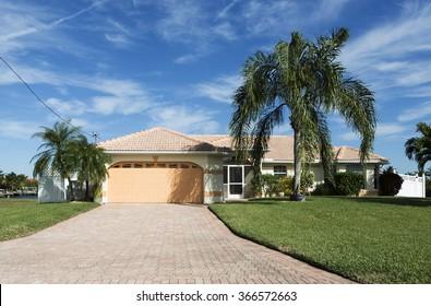 House Florida Images, Stock Photos & Vectors | Shutterstock