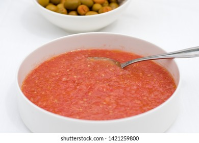 Typical Spanish tomato sauce used to spread bread. Usually also used to eat with Spanish Iberian ham.