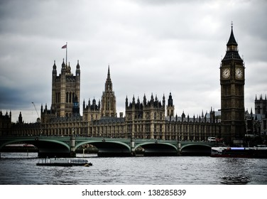 Typical view of London, Houses of Parliament