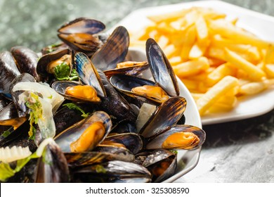 Typically Belgian dish: steamed mussels and french fries