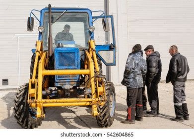 Old+tractor+isolated Images, Stock Photos & Vectors