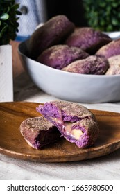 ube cheese pandesal, a gourmet pandesal that has a filling of ube and cheese combination which all Filipinos love it