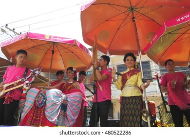 UBON RATCHATHANI, THAILAND - JULY 20:Good looking boys and girsl sing and play music in Candle Festival (Ubonratchathani Candle Festival 2016) on July 20, 2016, UbonRatchathani, Thailand