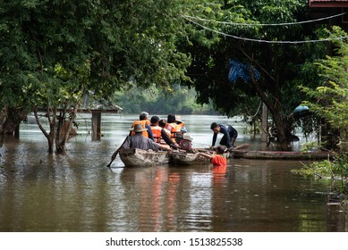 UBON RATCHATHANI, THAILAND- SEPTEMBER 22 : People Ride On Boat To Give Survival Equipment For Flood Victims On September 22, 2019 In Tan Sum District Ubon Ratchathani Province, Thailand
