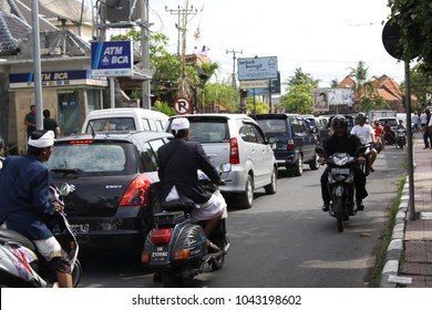 Ubud Bali Indonesia December 31 2010 Traffic jam in the city with many motorbikes and cars