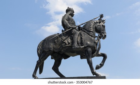 Udaipur, India September 14, 2015: This Life-sized bronze statue of Maharana Pratap with sword riding on his horse Chetak situated at Pratap Smarak on Moti Magri Hill in Udaipur, Rajasthan, India.