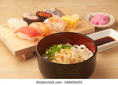 Udon and sushi set menu