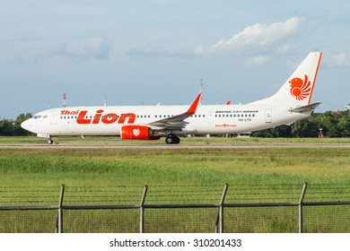 UDONTHANI, THAILAND - AUGUST 12, 2015:Air plane HS-LTH Boeing 737-900ER of Lion Air landingt at Udonthani International Airport Thailand.