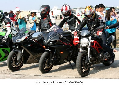 UDONTHANI, THAILAND – DECEMBER 12, 2017:  Bigbikes stop altogether at Udonthani,  than they will go to Nongkhai.