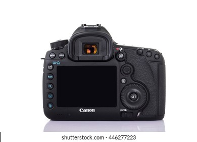 UDONTHANI, THAILAND - JANUARY 31 , 2016: DSLR Digital Camera full frame sensor of A EOS Canon 5D Mark III on white background.
