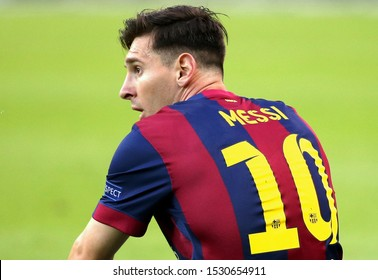 UEFA Champions League Final - Juventus vs Barcelona -  Berlin - Olympiastadion - 06/06/2015 Lionel Messi looks on
