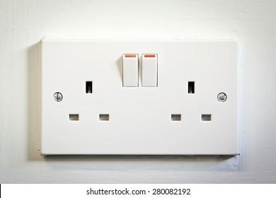 UK double plug socket