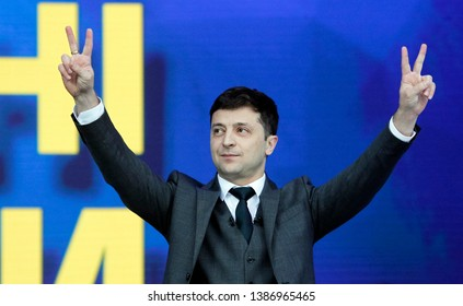 Ukrainian Presidential candidate Volodymyr Zelensky shows victory sign during a debate with Petro Poroshenko at NSC Olimpiyskiy Stadium in Kiev, Ukraine, 19 April 2019.