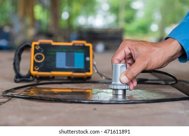 Ultrasonic test to detect imperfection or defect of steel plate, NDT Inspection