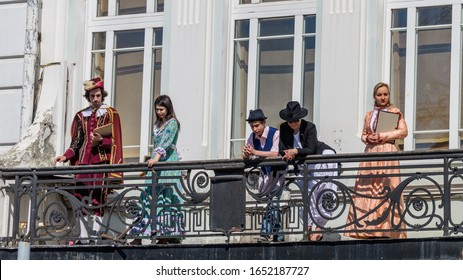 ULYANOVSK, RUSSIA - MAY 9, 2018:   Photo of a city holiday where actors in costumes are standing on the balcony