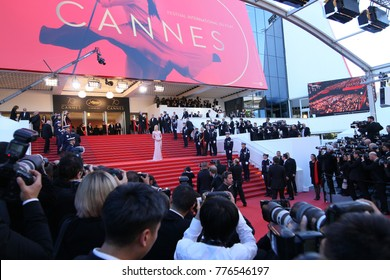 Uma Thurman attends the 'Ismael's Ghosts (Les Fantomes d'Ismael)' screening and Opening Gala during the 70th annual Cannes Film Festival at Palais des Festivals on May 17, 2017 in Cannes, France.