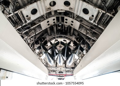 Undercarriage of a Vulcan bomber