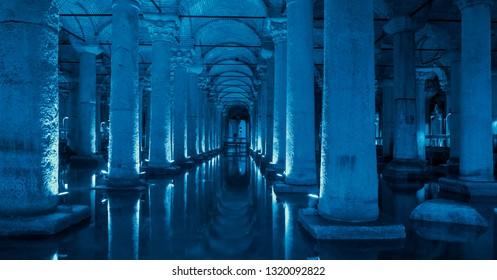 Underground Basilica Cistern (Yerebatan Sarnici) - Istanbul, Turkey - Largest ancient underground