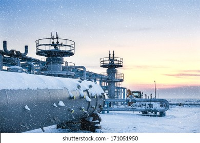 Underground storage of natural gas. Factory distribution, and industrial processing of natural gas. Many pipelines and construction.Refinery, oil and gas industry,exploration