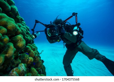 Underwater photography training with beautiful view.