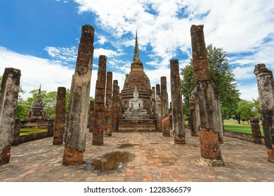 UNESCO World Heritage site Wat Sa Si in Sukhothai Historical Park, Sukhothai province, Thailand