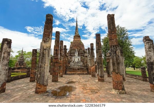 UNESCO World Heritage site Wat Sa Si in Sukhothai Historical Park, Sukhothai province, Thailand