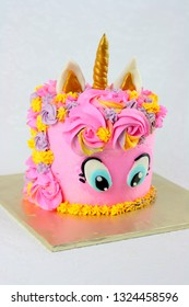 Unicorn cake pink color