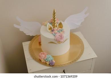 Unicorn cake with wings