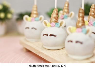 Unicorn Pop Cake