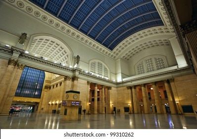 Union Station Chicago. Image of interior of the Union Station in Chicago downtown.