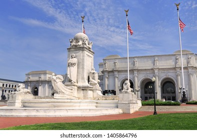 Union Station and the Columbus Fountain in Washington D.C.