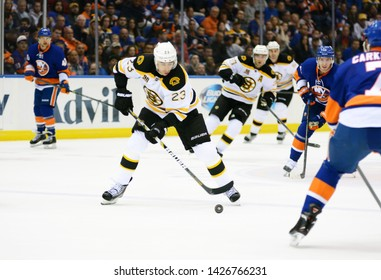 UNIONDALE, NEW YORK, UNITED STATES – Nov. 2, 2013: NHL Hockey: Game action between the Boston Bruins and New York Islanders at Nassau Coliseum. Chris Kelly #23.