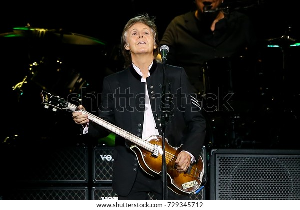 UNIONDALE, NY-SEP 27: Singer Paul McCartney performs onstage at NYCB Live on September 27, 2017 in Uniondale, New York.