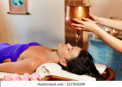 a unique Ayurvedic procedure Shirodhara that elevates you to a state called trance. The flow of pleasant sensations covers your entire body, you relax both physically and spiritually. The procedure