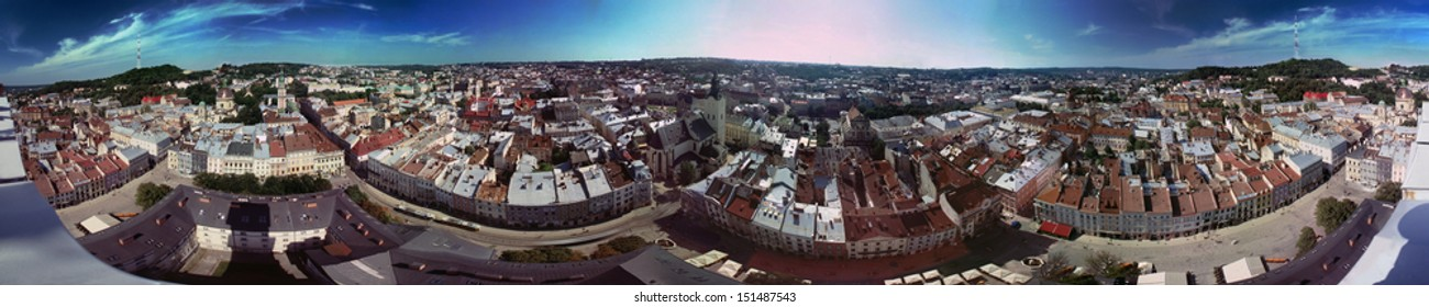 The unique EXCLUSIVE-glued panorama of more than 360 degrees of coverage, with the Town Hall Lviv, with all the neighborhoods, streets, temples the surrounding area is all that is interesting