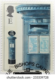 UNITED KINGDOM - CIRCA 2002: A stamp printed by GREAT BRITAIN shows the British airmail box with dual notice plates, a feature introduced in 1932, circa 2002