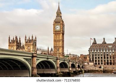 United Kingdom, London, 19 November 2016 - Big Ben and Westminster Bridge, London on 19 November 2016
