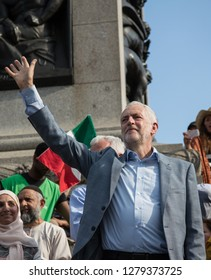 UNITED KINGDOM, LONDON, TRAFALGAR SQUARE, 07/13/2018, Jeremy Corbyn waving to supporters at the Anti-Brexit march.