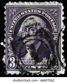 UNITED STATES OF AMERICA - CIRCA 1919: A stamp printed in the USA shows image of President George Washington, circa 1919