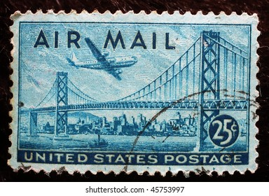UNITED STATES OF AMERICA - CIRCA 1947: A stamp printed in the USA shows image of the Golden Gate Bridge, circa 1947