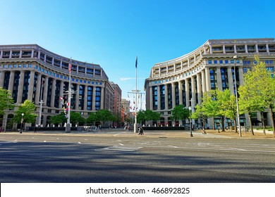 United States Navy Memorial is situated in Washington D.C., USA. It is a symbol for those who was and is serving in the Navy, Marine Corps, Coast Guard, and the Merchant Marine.