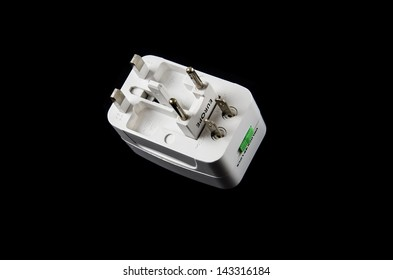Universal Adapter for travel. Can be connected to power supply in all countries.