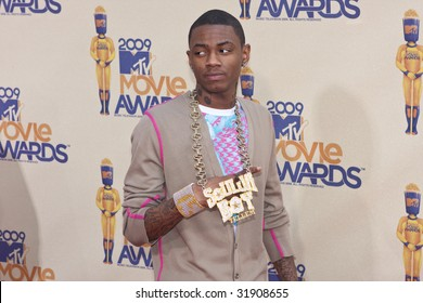 UNIVERSAL CITY, CA - MAY 31: Soulja Boy arrives at the 18th Annual MTV Movie Awards on May 31, 2009 in Los Angeles, California.