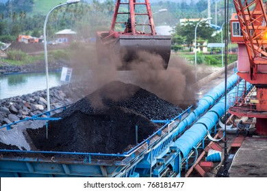 Unload coal in coal mining