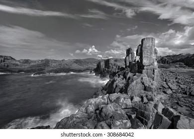 unusual coastal rock formations at kiama