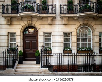 Upmarket Georgian house in Mayfair, London