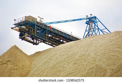 Upper part of stockpile 2 of the potash mine near Zielitz, Saxony-Anhalt, East Germany, zoomed in