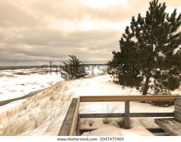 Enjoyable Upper Peninsula Michigan Winter Beach Along Stock Photo Pdpeps Interior Chair Design Pdpepsorg