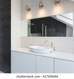 Urban apartment - bath counter, sink and mirror