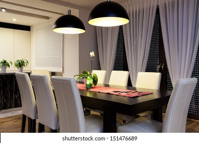Urban apartment - Wooden table in a dining room